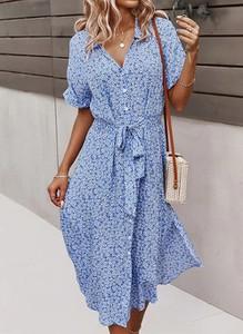 Niebieska sukienka Arilook midi w stylu casual z dekoltem w kształcie litery v