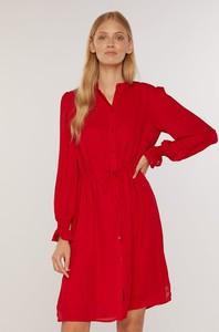 Czerwona sukienka FEMESTAGE Eva Minge koszulowa z długim rękawem z kołnierzykiem