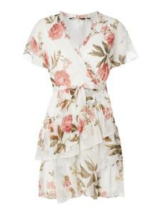 Sukienka Vero Moda z dekoltem w kształcie litery v z krótkim rękawem