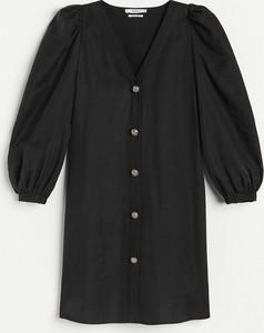 Czarna sukienka Reserved mini w stylu casual