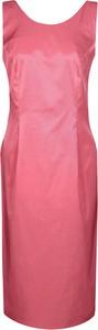 Różowa sukienka Fokus midi bez rękawów