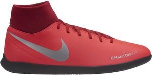 Różowe buty sportowe Nike sznurowane w sportowym stylu