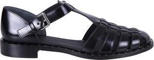 Czarne sandały Church's z płaską podeszwą z klamrami ze skóry