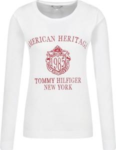 Bluzka Tommy Hilfiger z okrągłym dekoltem w młodzieżowym stylu z długim rękawem