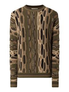 Zielony sweter Review w młodzieżowym stylu