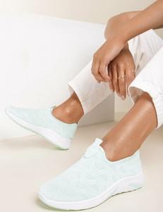 Miętowe buty sportowe Renee w sportowym stylu