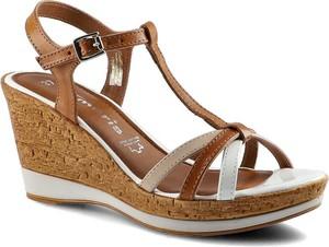Brązowe sandały Tamaris ze skóry z klamrami w stylu boho