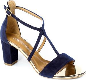 Granatowe sandały Prestige