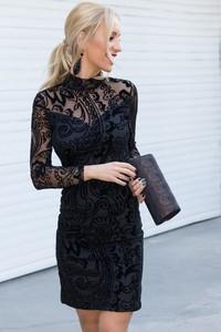 02b6d4d793c5 Czarna sukienka livia z elastanu mini w koronkowe wzory