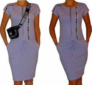 Sukienka Mm Fashion z dzianiny z okrągłym dekoltem