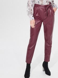 Czerwone spodnie Mohito ze skóry ekologicznej