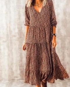 Brązowa sukienka Kendallme z dekoltem w kształcie litery v maxi w stylu boho