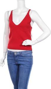 Czerwona bluzka Zara Knitwear z dekoltem w kształcie litery v