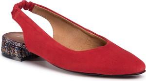 Czerwone sandały Maciejka na obcasie w stylu casual