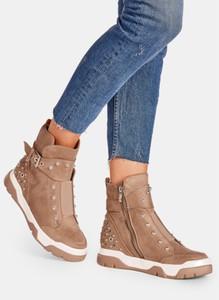 Brązowe buty sportowe DeeZee z płaską podeszwą
