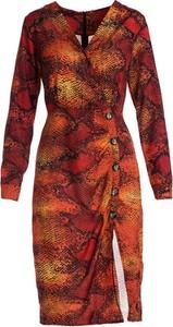Czerwona sukienka Multu w stylu casual z dekoltem w kształcie litery v
