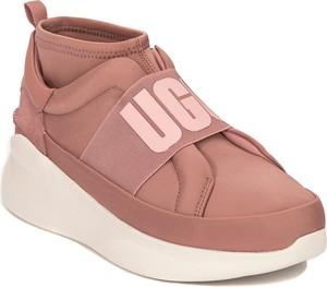 Sneakersy UGG Australia na platformie w sportowym stylu ze skóry