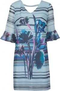 Niebieska sukienka VISSAVI midi z długim rękawem