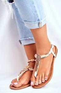 Złote sandały Fj1 z płaską podeszwą