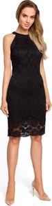 Czarna sukienka Merg z odkrytymi ramionami