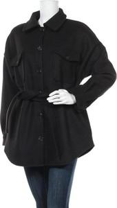 Czarny płaszcz NLY TREND w stylu casual