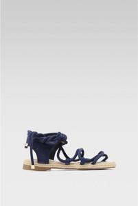 Granatowe sandały Jenny Fairy z płaską podeszwą z klamrami w stylu casual