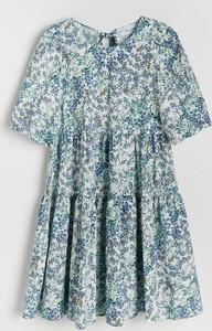 Sukienka Reserved z krótkim rękawem z okrągłym dekoltem w stylu casual
