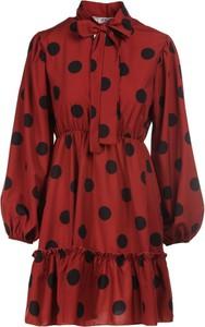 Czerwona sukienka Multu mini z kołnierzykiem z długim rękawem