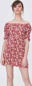 Czerwona sukienka Sinsay w stylu casual