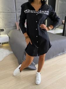 Czarna koszula ModnaKiecka.pl z długim rękawem w stylu casual