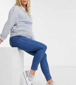 Missguided Maternity – Vice – Niebieskie jeansy o obcisłym kroju zasłaniającym brzuch
