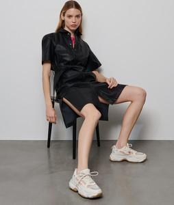 Czarna sukienka Reserved mini ze skóry
