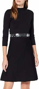 Czarna sukienka amazon.de trapezowa