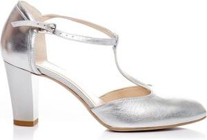8f1050a1 buty ślubne na słupku. - stylowo i modnie z Allani