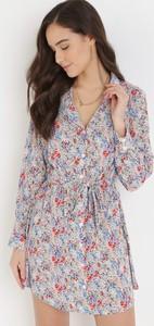 Sukienka born2be koszulowa z dekoltem w kształcie litery v