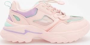 Różowe buty sportowe dziecięce Reserved