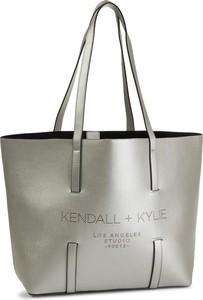 Srebrna torebka Kendall+Kylie