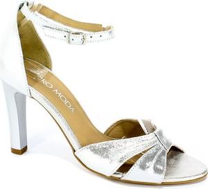 Sandały Euro Moda na wysokim obcasie ze skóry na szpilce