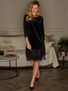 Czarna sukienka L'AF w stylu boho z okrągłym dekoltem