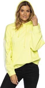 Żółta bluza Adidas Originals w sportowym stylu