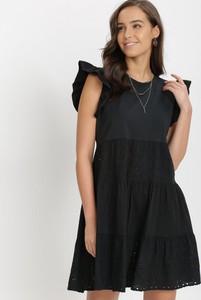 Sukienka born2be trapezowa z okrągłym dekoltem mini