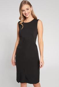 Czarna sukienka QUIOSQUE prosta mini bez rękawów