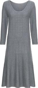 Sukienka bonprix BODYFLIRT z dzianiny midi rozkloszowana