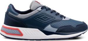 Buty sportowe Umbro w młodzieżowym stylu sznurowane