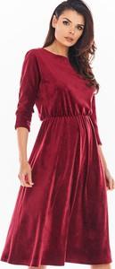 Czerwona sukienka Awama z okrągłym dekoltem midi z długim rękawem