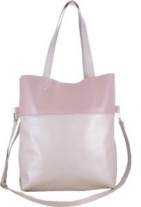 Różowa torebka TrendyTorebki duża na ramię w wakacyjnym stylu