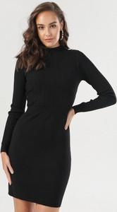 Czarna sukienka born2be w stylu casual z golfem