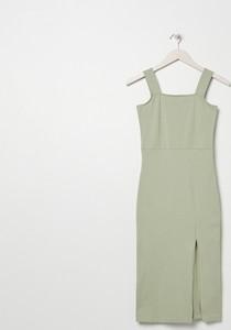 Zielona sukienka Sinsay z okrągłym dekoltem midi