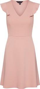 Różowa sukienka Dorothy Perkins z dekoltem w kształcie litery v bez rękawów