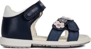 Czarne buty dziecięce letnie Geox ze skóry